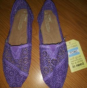 TOMS Purple Floral Lace Slip-On Shoes